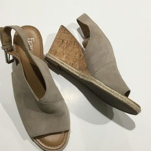 FRANCO SARTO tan leather open toe wedge sandal 7.5